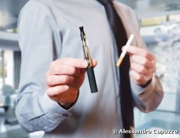What chemicals do electronic cigarettes contain