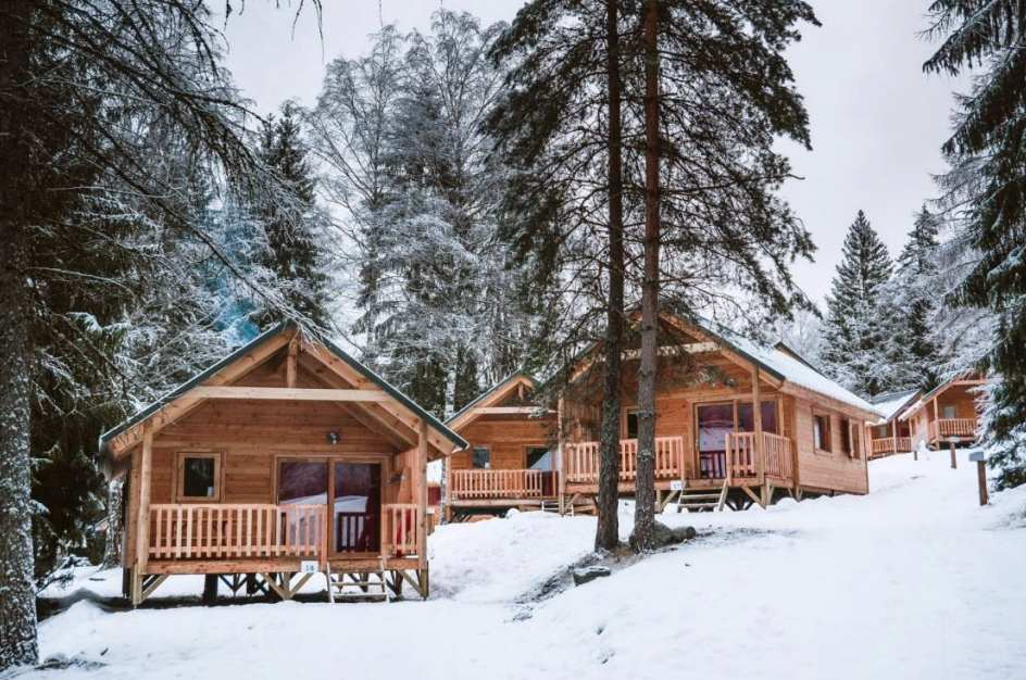 A chalet in the midst of nature: 6 magical locations in your holidays within the mountains