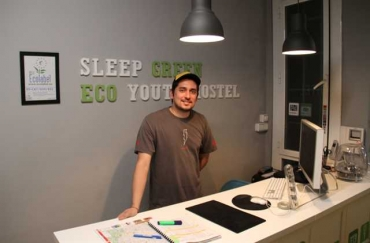 SLEEP GREEN - CERTIFIED ECO YOUTH HOSTEL...